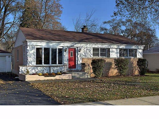 4 BR,  2.00 BTH  Ranch style home in Arlington Heights