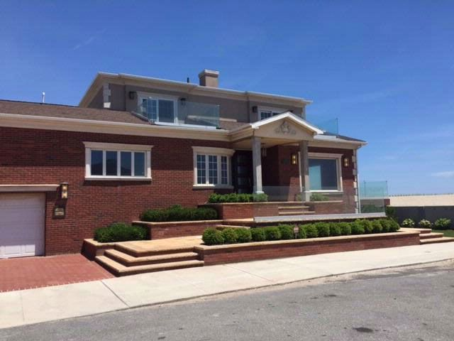 5 BR,  5.50 BTH   style home in Belle Harbor