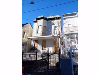 8 BR,  4.00 BTH  Colonial style home in Bronx