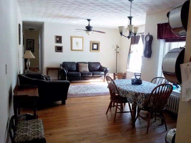 3 BR,  1.00 BTH  Co-op style home in Woodside