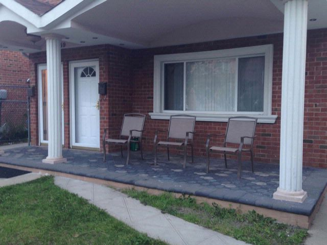 6 BR,  2.00 BTH   style home in Arverne