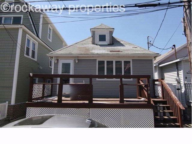 2 BR,  1.00 BTH   style home in Broad Channel