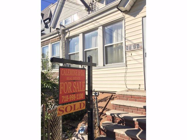 3 BR,  2.00 BTH   style home in Woodhaven