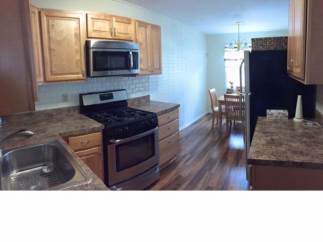 2 BR,  2.00 BTH  Raised ranch style home in Arverne