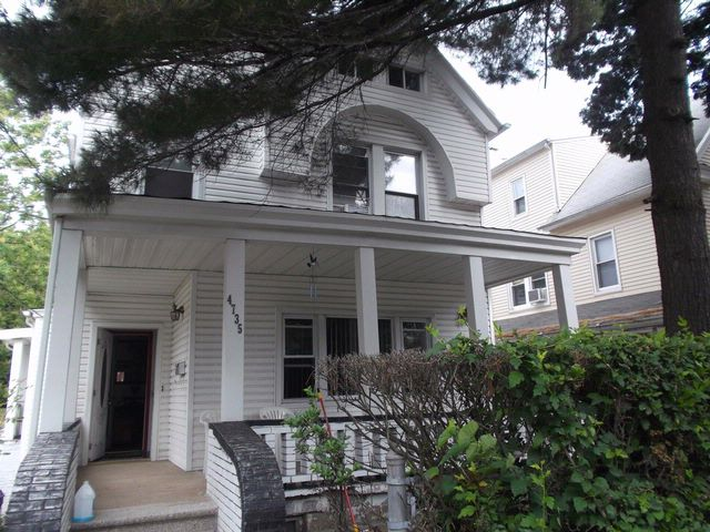 5 BR,  3.55 BTH Contemporary style home in Bronx