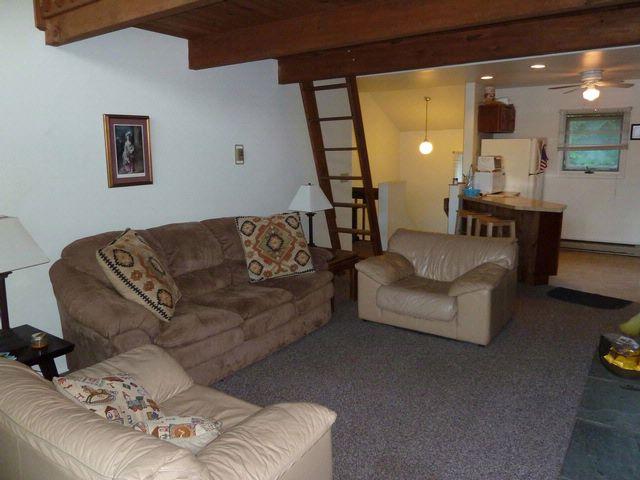 [Hunter Real Estate, listing number 6577597]