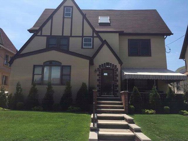 5 BR,  3.50 BTH  style home in Belle Harbor