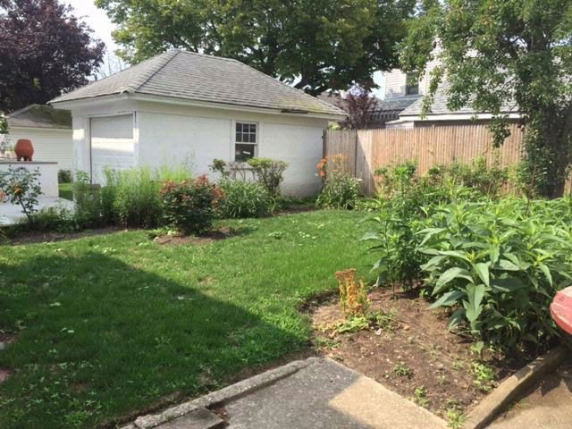 4 BR,  1.50 BTH 2 story style home in Neponsit
