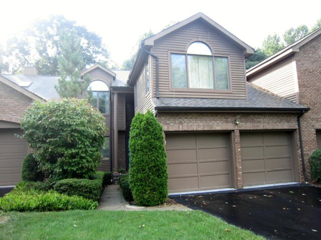 4 BR,  3.50 BTH Townhouse style home in Old Tappan