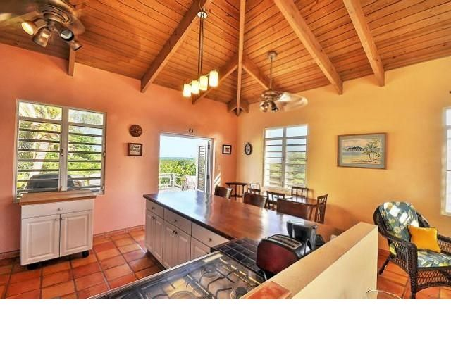 5 BR,  2.00 BTH   style home in Vieques