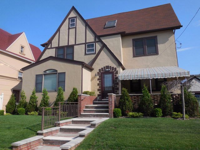 5 BR,  3.50 BTH  Tudor style home in Belle Harbor