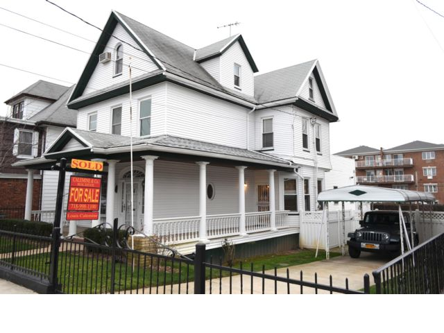 5 BR,  2.50 BTH  Victorian style home in Sheepshead Bay