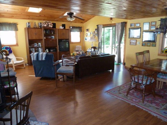 3 BR,  2.00 BTH Other style home in Elka Park