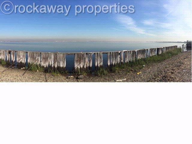 Lot <b>Size:</b> 120x105 &nbsp;Land style home in Arverne