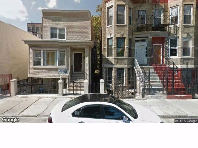6 BR,  3.00 BTH  Brownstone style home in Bronx