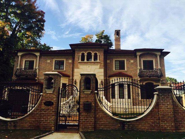 [DOUGLASTON Real Estate, listing number 6636028]