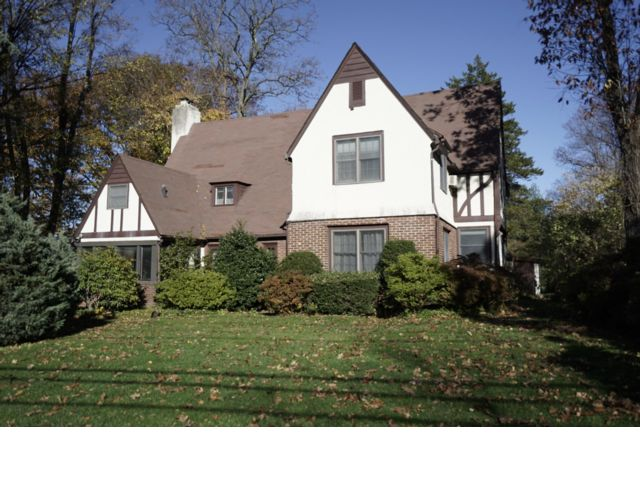 5 BR,  3.50 BTH  Tudor style home in Great Neck