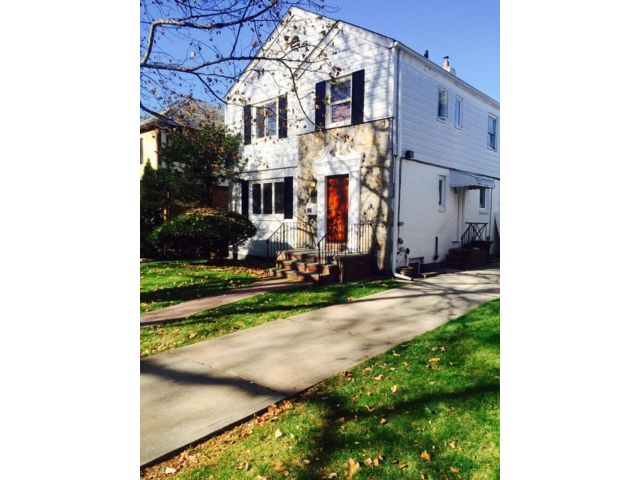 3 BR,  2.50 BTH  Colonial style home in Jamaica Estates