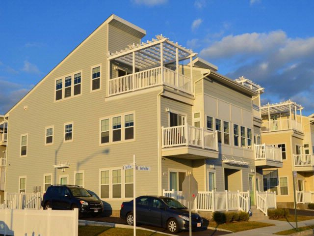 5 BR,  5.00 BTH  Duplex style home in Arverne By The Sea