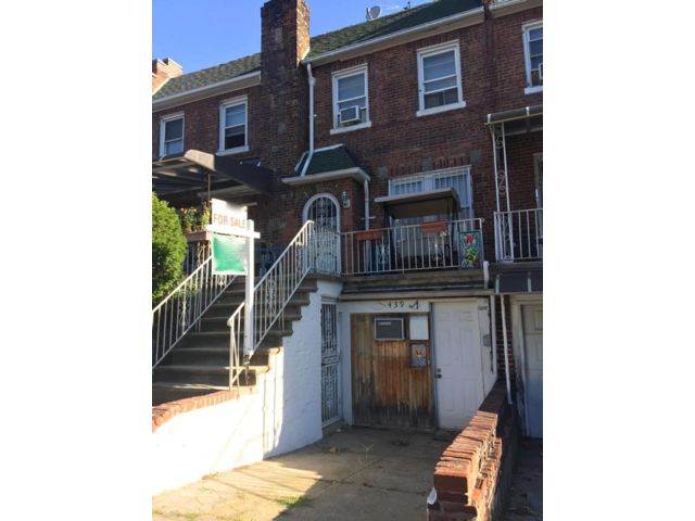 3 BR,  2.00 BTH   style home in Bay Ridge