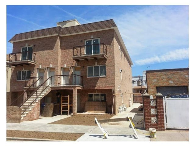 2 BR,  2.00 BTH  Condo style home in Dyker Heights