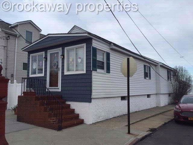 3 BR,  1.00 BTH  Raised ranch style home in Broad Channel