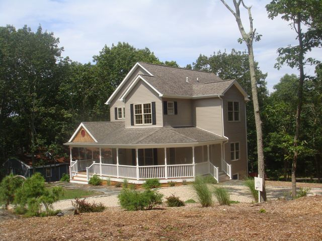 5 BR,  3.00 BTH Traditional style home in Sag Harbor