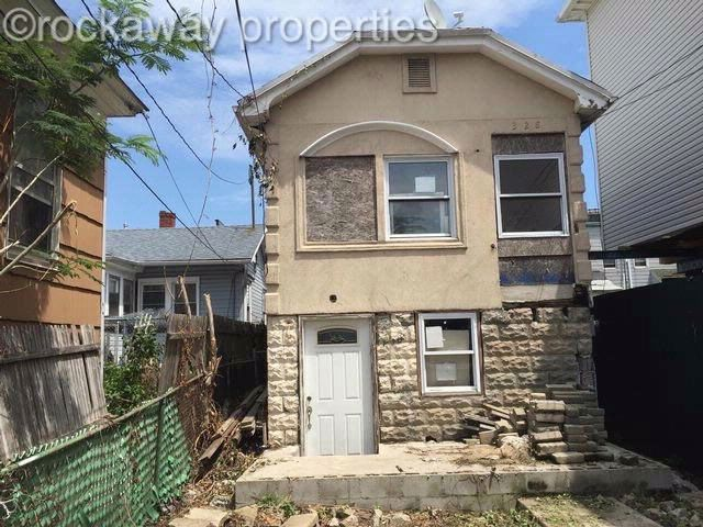 Studio,  0.00 BTH   style home in Rockaway Beach