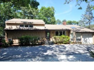 6 BR,  4.00 BTH Ranch style home in Sag Harbor