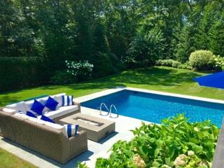 3 BR,  2.00 BTH  Contemporary style home in East Hampton