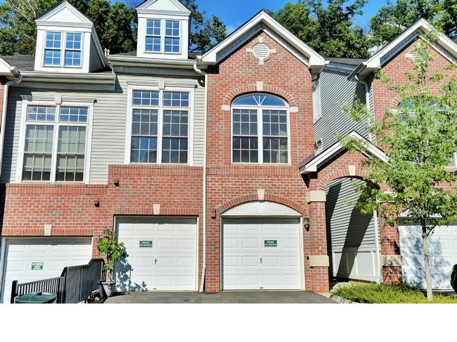 2 BR,  2.50 BTH  Townhouse style home in Scotch Plains
