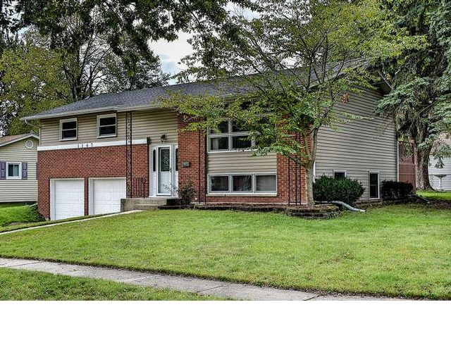 3 BR,  2.00 BTH  Raised ranch style home in Palatine