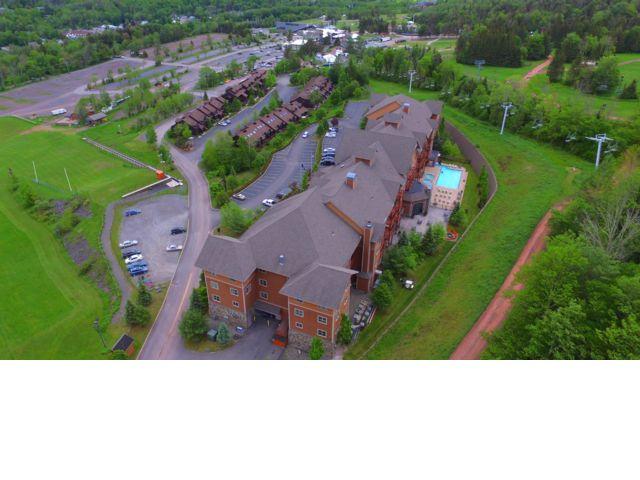 [Hunter Real Estate, listing number 6709139]