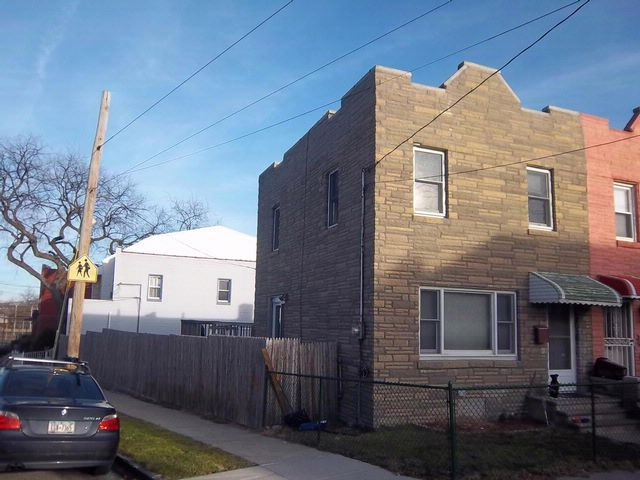 3 BR,  2.00 BTH Bi-level style home in Bronx