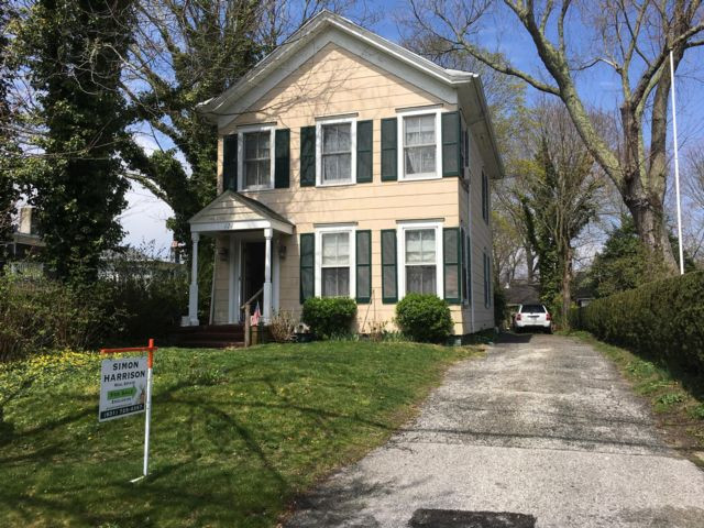 3 BR,  1.50 BTH  Traditional style home in Sag Harbor