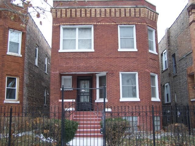5 BR,  3.00 BTH  Other style home in Chicago