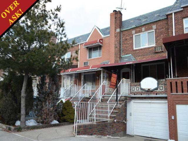 2 BR,  1.50 BTH Duplex style home in Sheepshead Bay