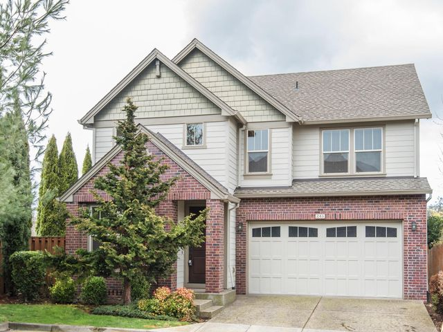 3 BR,  2.50 BTH Traditional style home in Hillsboro