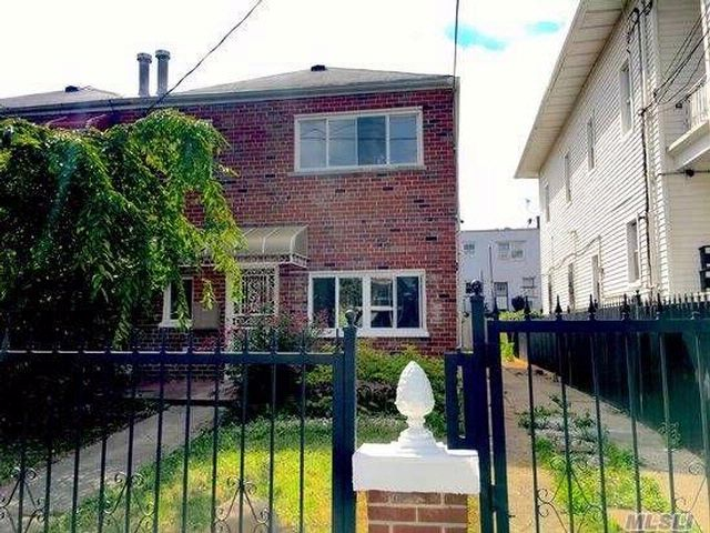 5 BR,  2.00 BTH  style home in Bronx
