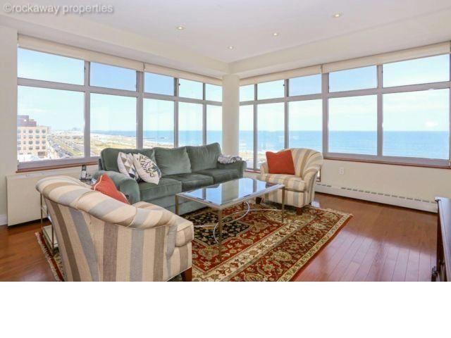 2 BR,  2.00 BTH Condo style home in Rockaway Beach