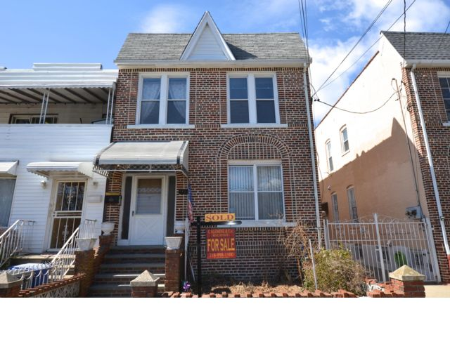 6 BR,  5.00 BTH   style home in Sheepshead Bay