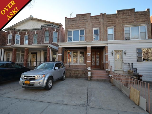 7 BR,  3.00 BTH   style home in Gravesend