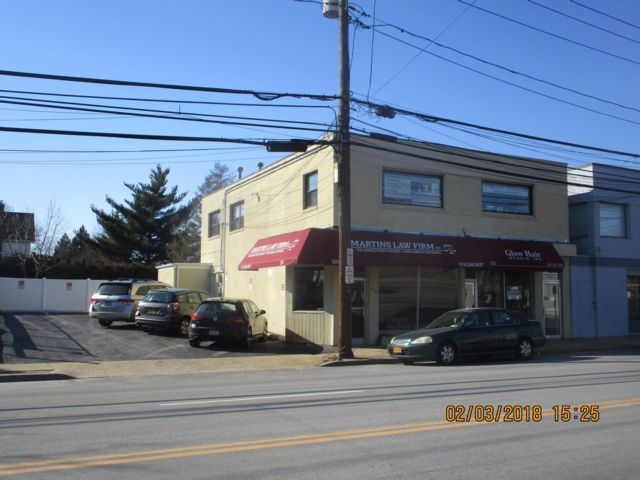 Studio,  0.00 BTH Office building style home in Mineola