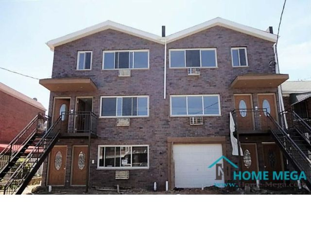 7 BR,  3.00 BTH  style home in Baychester