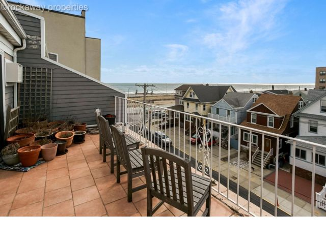 3 BR,  2.00 BTH  style home in Rockaway Beach