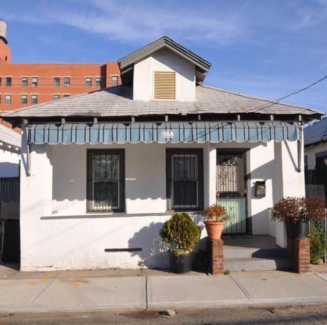 2 BR,  1.00 BTH Bungalow style home in Far Rockaway