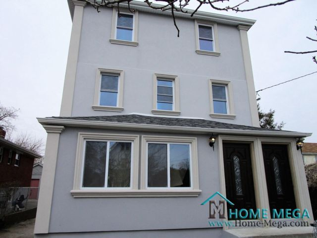 8 BR,  3.00 BTH  style home in Rosedale