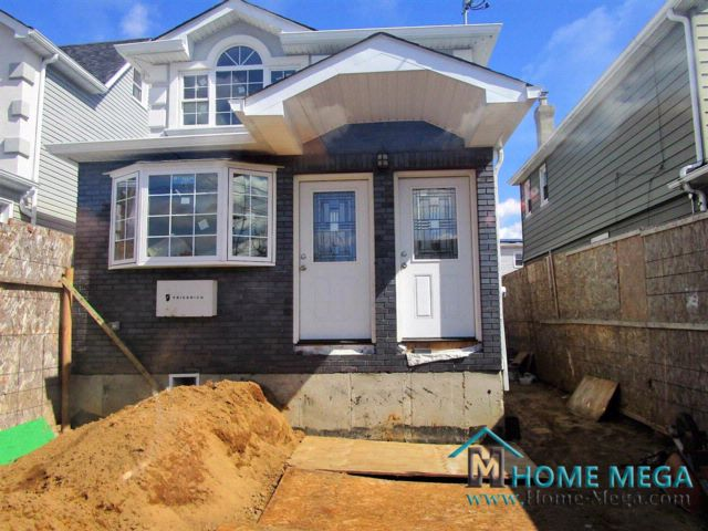6 BR,  3.00 BTH  style home in Jamaica