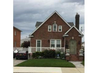 3 BR,  3.56 BTH  style home in Belle Harbor
