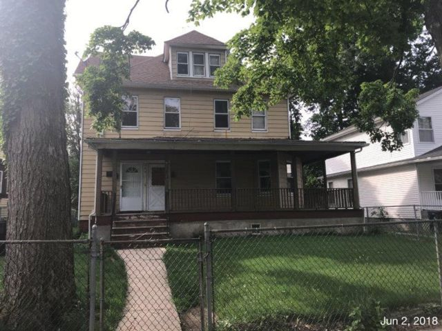 4 BR,  2.00 BTH 2 story style home in North Plainfield